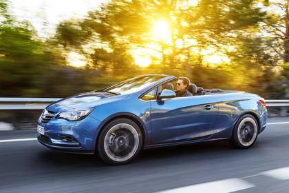Opel Cascada Aussenansicht Front schräg dynamisch blau