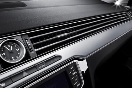 VW Passat B8 Innenansicht Detail Lüftungsdüsen statisch schwarz