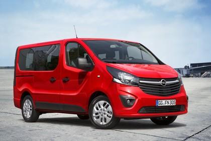 Opel Vivaro Kombi X82 Aussenansicht Front schräg statisch rot