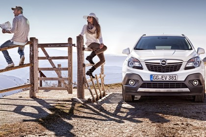 Opel Mokka J-A Aussenansicht Front statisch weiss