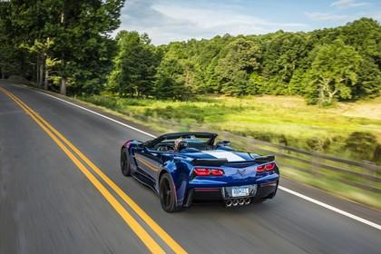 Chevrolet Corvette Grand Sport Cabrio Aussenansicht Heck schräg dynamisch blau