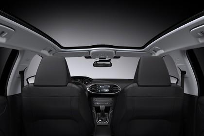 Peugeot 308 SW T9 Innenansicht statisch Studio Panoramadach Vordersitze und Mittelkonsole