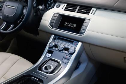 Range Rover Evoque L538 Innenansicht Detail Mittelkonsole statisch beige