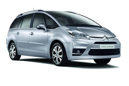 Citroën C4 Grand Picasso U Aussenansicht Front schräg statisch Studio silber