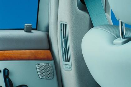 Mercedes S-Klasse W220 Studio Innenansicht Detail Lüftung statisch grau