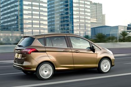 Ford B-MAX Seite schräg dynamisch braun