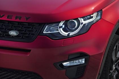 Land Rover Discovery Sport L550 Aussenansicht Detail statisch rot Scheinwerfer