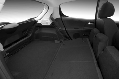 Peugeot 207 Innenansicht Rückbank umgeklappt Studio statisch schwarz