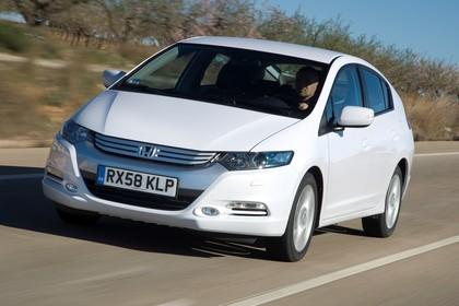 Honda Insight Aussenansicht Front schräg dynamisch weiß