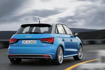 Audi A1 Sportback Aussenansicht Heck dynamisch blau