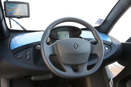 Renault Twizy Innenansicht statisch Lenkrad und Armaturenbrett