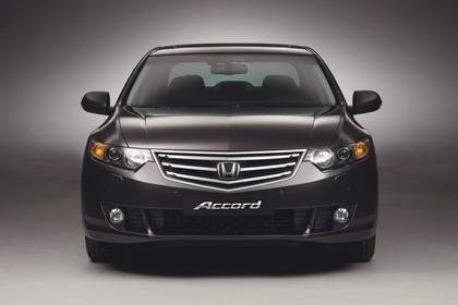Honda Accord Limousine 8 Aussenansicht Front statisch Studio braun