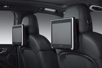Porsche Cayenne 92A Innenansicht statisch Studio Detail Porsche Rear Seat Entertainment