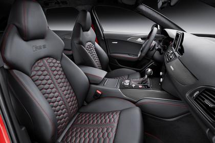 Audi RS6 Avant C7 Innenansicht Vordersitze Studio statisch schwarz