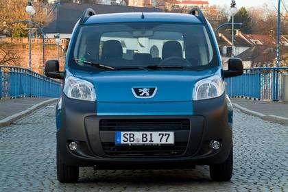 Peugeot Bipper Tepee A Aussenansicht Front statisch blau