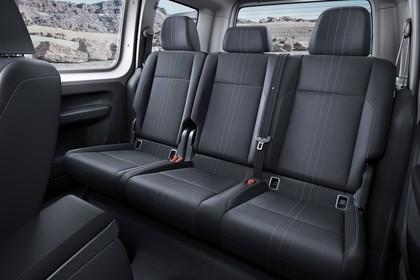 VW Caddy 4 Innenansicht Rücksitzbank statisch schwarz