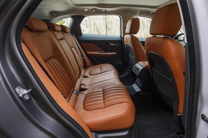 Jaguar F-Pace X761 Innenansicht statisch Rücksitze beifahrerseitig