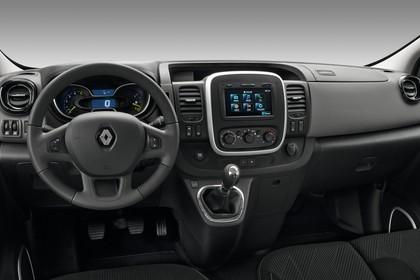 Renault Trafic 3 Combi Innenansicht statisch Studio Vordersitze und Armaturenbrett fahrerseitig