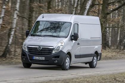 Opel Movano Kastenwagen Aussenansicht Front schräg dynamisch silber