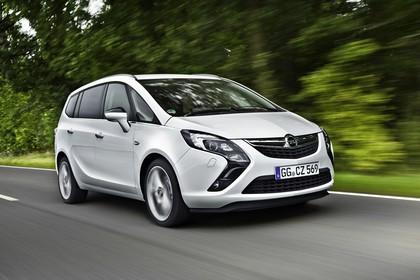Opel Zafira C Tourer Aussenansicht Front schräg dynamisch weiss