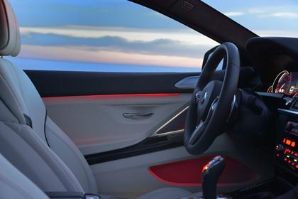BMW 6er Gran Coupe F06 Innenansicht Detail Beleuchtung Türverkleidung statisch beige