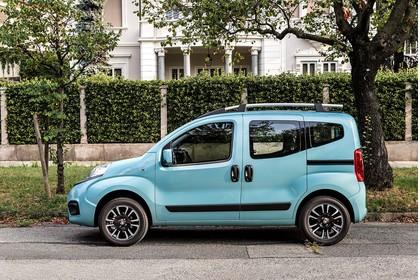 Fiat Qubo 225 Aussenansicht Seite statisch blau