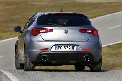 Alfa Romeo Giulietta 940 Aussenansicht Heck schräg statisch grau