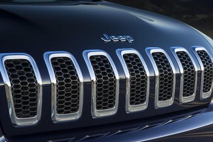 Jeep Cherokee KL Aussenansicht Detail Kühlergrill statisch schwarz