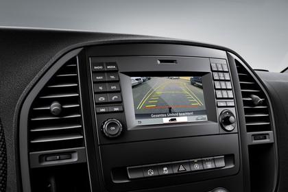 Mercedes-Benz Vito W447 Innenansicht statisch Studio Detail Rückfahrkamera