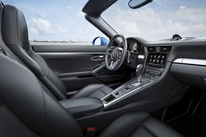 Porsche 911 Targa 4S 991.2 Innenansicht statisch Vordersitze und Armaturenbrett