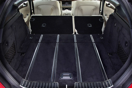 Mercedes-Benz CLS Shooting Brake X218 Innenansicht Kofferraum geöffnet Rücksitzbank umgeklappt statisch schwarz