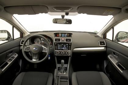 Subaru Impreza G4 Innenansicht statisch Studio Vordersitze und Armaturenbrett