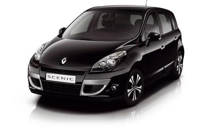 Renault Scenic JZ Aussenansicht Front schräg statisch Studio schwarz