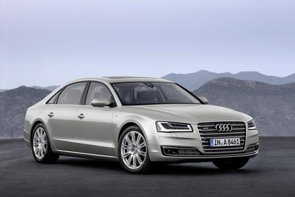 Audi A8 D4 Aussenansicht Front schräg statisch silber