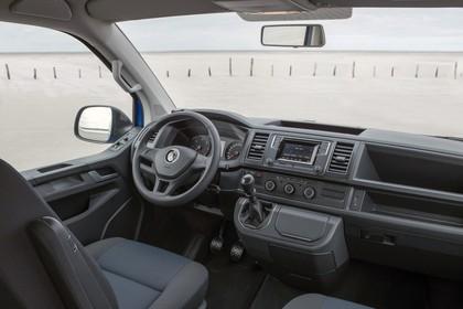 VW T6 Innenansicht Beifahrerposition statisch schwarz