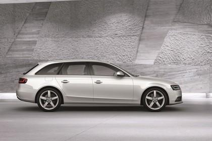 Audi A4 B8 Avant Facelift Aussenansicht Seite statisch weiss