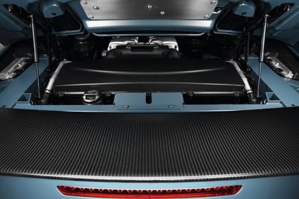 Audi R8 Spyder Aussenansicht Detail Mittelmotor Studio statisch blau