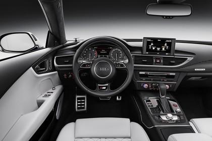 Audi S7 4G Innenansicht Fahrerposition Studio statisch weiss