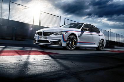 BMW M3 F80 Aussenansicht Front schräg statisch weiss