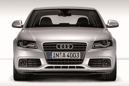 Audi A4 B8 Aussenansicht Front Studio statisch silber