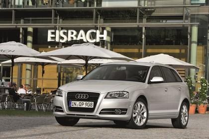 Audi A3 Sportback 8PA Aussenansicht Front schräg statisch silber