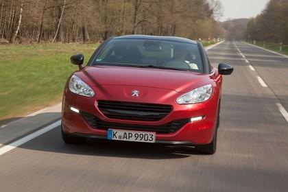 Peugeot RCZ Aussenansicht Front dynamisch rot
