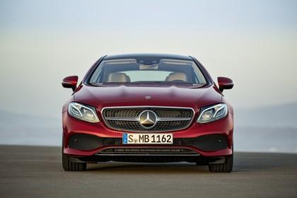 Mercedes E-Klasse Coupé C238 Aussenansicht Front statisch rot