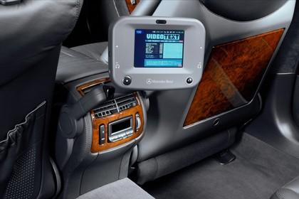 Mercedes S-Klasse W220 Innenansicht Detail Entertainment statisch schwarz