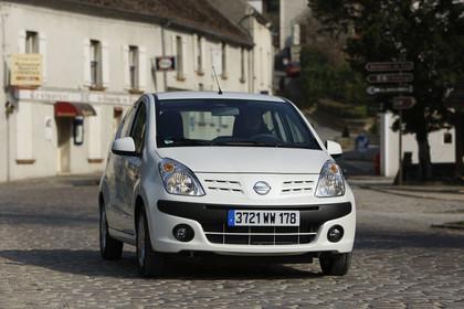 Nissan Pixo HF Aussenansicht Front dynamish weiß