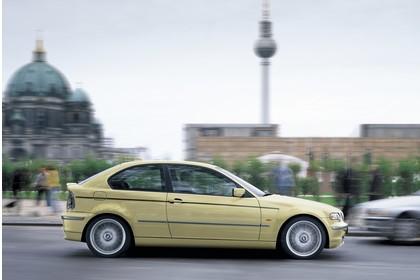 BMW 3er Compact E46 Aussenansicht Seite dynamisch gelb