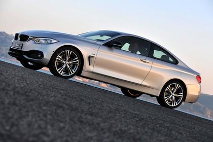 BMW 4er Coupe F32 Aussenansicht Seite  statisch silber