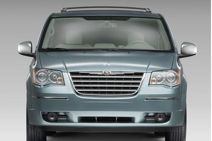 Chrysler Voyager RT Aussenansicht Front statisch Studio blau