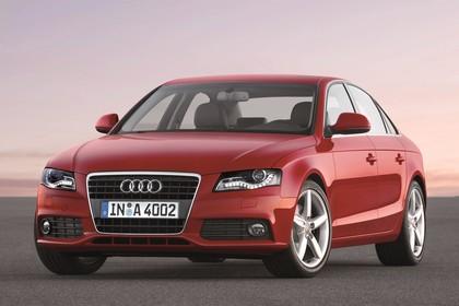 Audi A4 B8 Aussenansicht Front schräg statisch rot