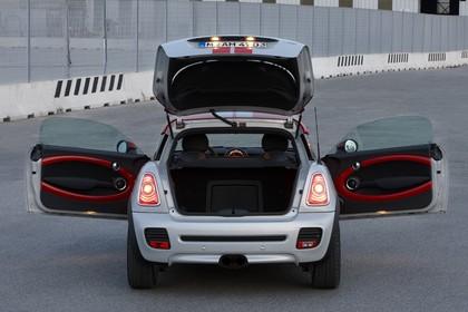 Mini Coupe R58 Aussenansicht Detail Heck  Kofferraum statisch silber
